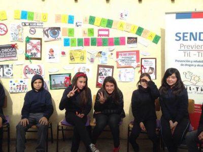Estudiantes de Tiltil confeccionan diario mural preventivo
