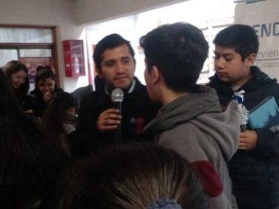 Con recreos preventivos estudiantes de La Cisterna se informan sobre drogas