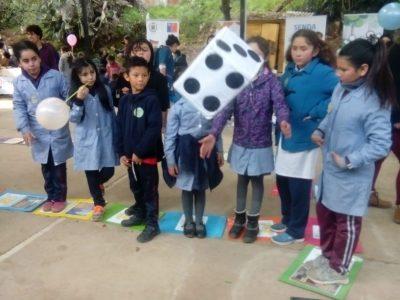 Niños y niñas de Olmué celebraron su día jugando y bailando por la prevención