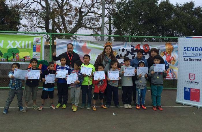 Niños de La Antena participan de talleres deportivos y preventivos
