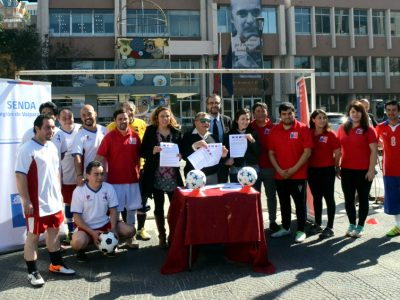 """Autoridades de Valparaíso lanzan """"Copa Encuentro Laboral"""" por una vida más saludable en el trabajo"""