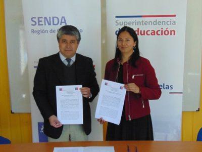 Firma de convenio con Superintendencia de Educación