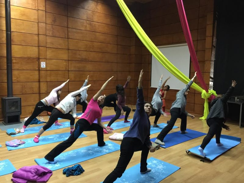 Taller de Yoga se ejecuta de forma exitosa en la comuna de Lanco