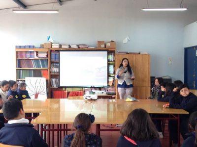 SENDA Previene Tiltil dialoga con estudiantes sobre sus derechos
