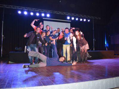 """Más de 600 estudiantes vallenarinos presenciaron obra teatral """"Regla de 3 Simple"""""""