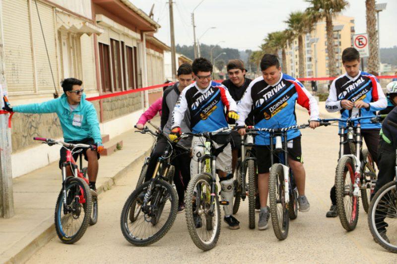 """SENDA Los Lagos lanza con gran éxito campaña """"Decide tu verano, sin drogas, sin alcohol"""" en Ancud"""