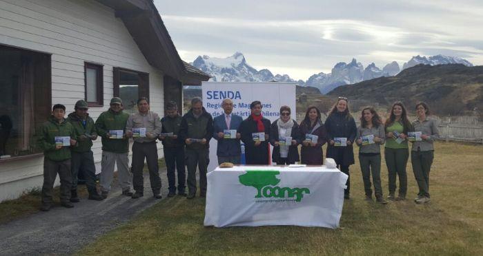 SENDA  y Conaf firman convenio para prevenir el consumo de alcohol y otras drogas en Torres del Paine