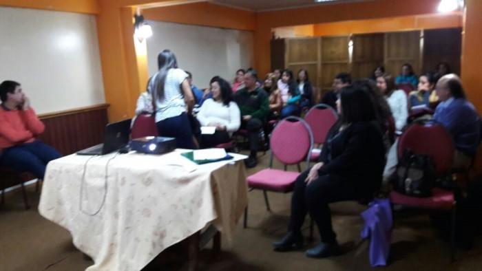 SENDA Previene Río Bueno realizó taller de parentalidad positiva en Escuela Patricio Lynch