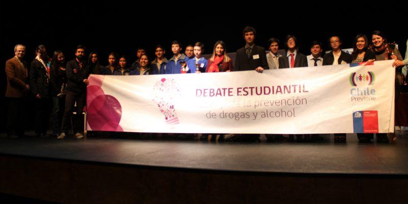 8 establecimientos educacionales de Villarrica participaron en debate estudiantil organizado por SENDA Previene