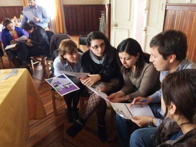 SENDA Previene de Collipulli y trabajadores DAEM desarrollan programa de prevención en familia