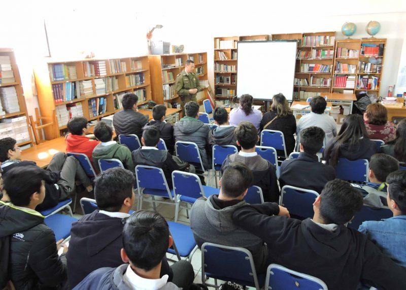 SENDA Previene de Nueva Imperial promueve la cultura preventiva en liceo industrial