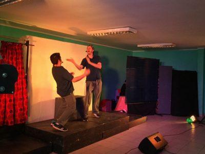 Obra de teatro se presenta en Pudahuel como cierre anual de programa Actuar a Tiempo
