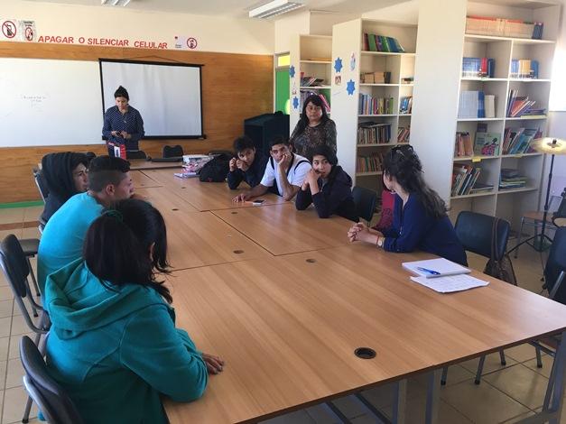 Estudiantes de Punitaqui debaten sobre el consumo de drogas y alcohol