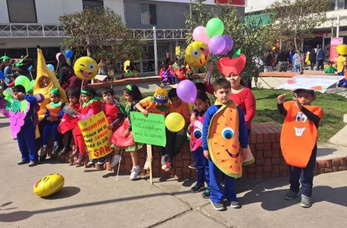 Jardín Infantil «Papalote» finaliza programa preventivo con marcha por la alimentación saludable