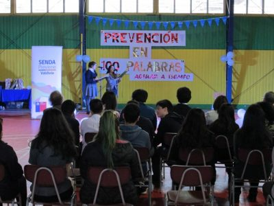 """SENDA Previene Valdivia premió a ganadores de concurso literario """"La Prevención en 100 Palabras"""""""