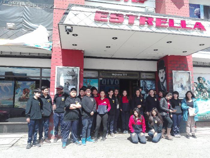 Alumnos de la Escuela Patagonia fueron premiados con un día de cine
