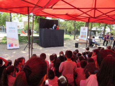 Estudiantes de Huechuraba aprenden sobre la prevención con obra de teatro