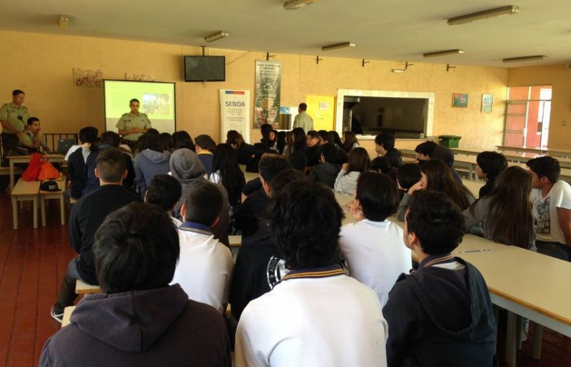 SENDA Previene Tiltil realiza charla preventiva a estudiantes del Saint Louis School