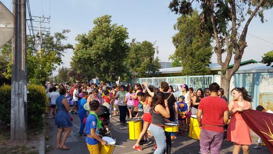 Más de 300 personas participan en Carnaval Preventivo en La Cisterna