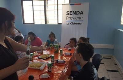 En La Cisterna concluyen talleres de manualidades y batucada