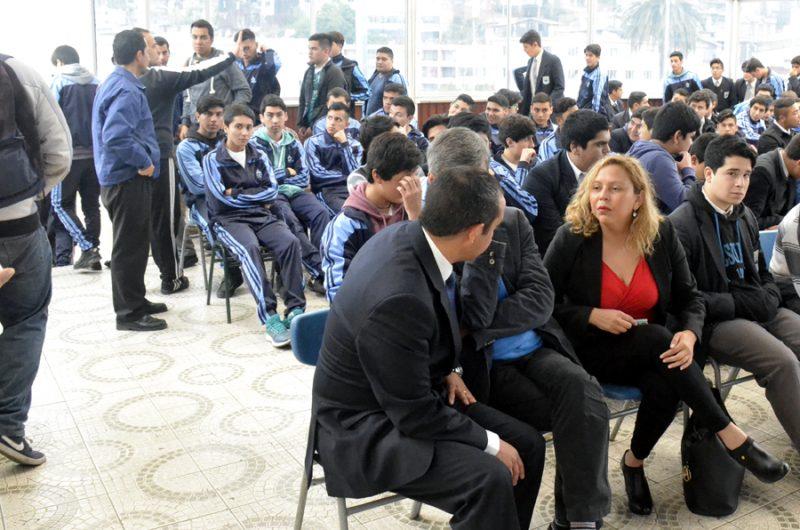 SENDA reconoce trabajo preventivo de radio comunitaria de Hualañé