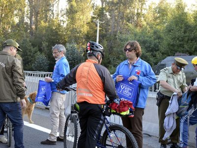 Senda, Coraset y Carabineros realizan campaña de Prevención en Ruta 68 dirigida a ciclistas y peatones en dirección a Lo Vásquez