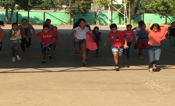 Niños y niñas de Talagante disfrutan con talleres de verano organizados por el Previene