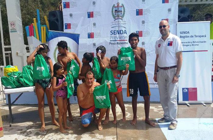 Campaña de verano de SENDA promueve conversación entre padres e hijos en Pozo Almonte