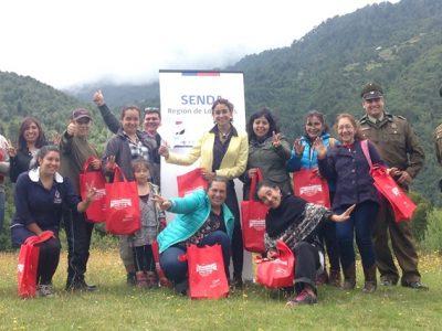 Vecinos y vecinas de Cochamó participaron en charla de SENDA sobre parentalidad