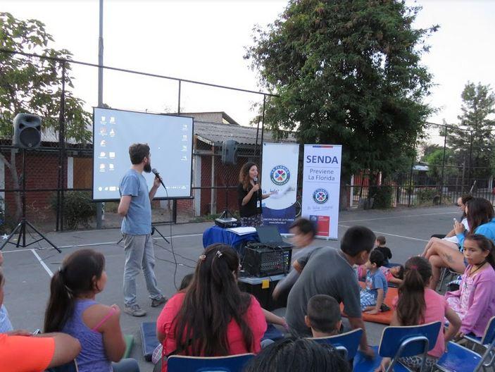 Tortugas policías cautivaron a los niños en feria preventiva