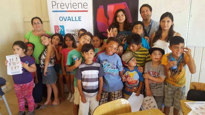 Niños de Ovalle disfrutan de taller preventivo de verano