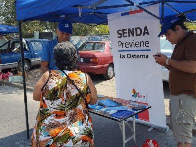 Previene La Cisterna difunde campaña de verano en ferias libres