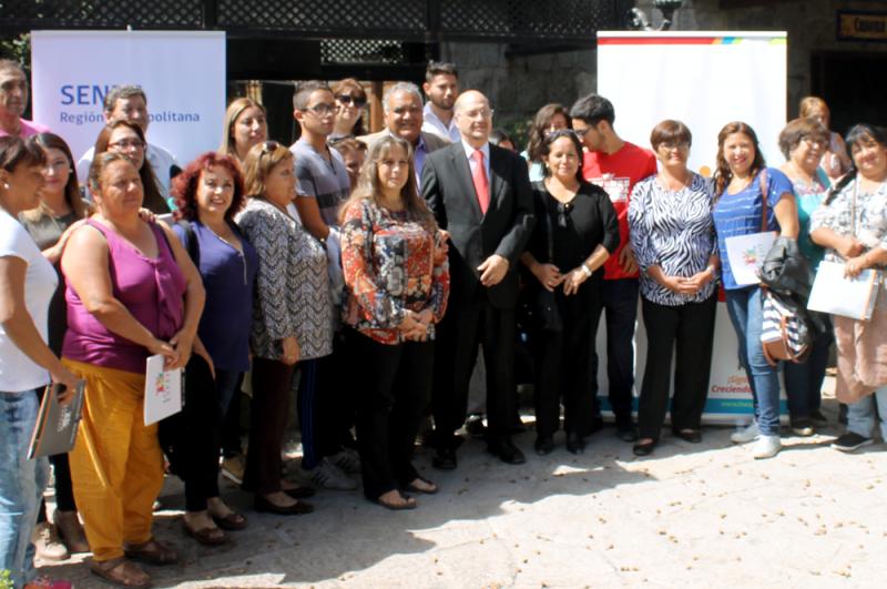 Director de SENDA encabeza diálogo con dirigentes sociales de Lo Espejo