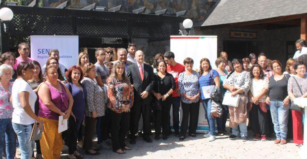 Director de SENDA dialoga con dirigentes sociales de Lo Espejo