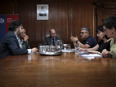 Director de SENDA, Dr. Patricio Bustos, recibió a representantes de Acción Gay