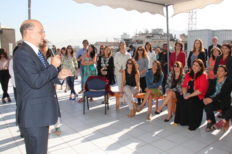 Director Bustos encabezó conmemoración del Día Internacional de la Mujer con funcionarios y funcionarias de SENDA