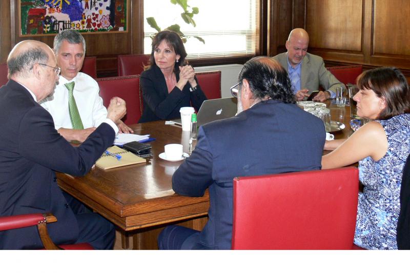 Director de SENDA recibió a representantes de organizaciones médicas y científicas