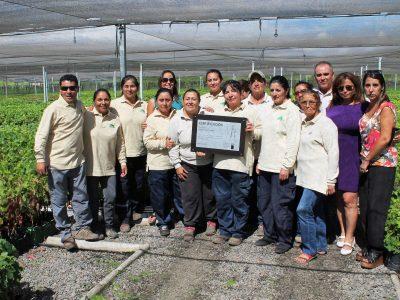 Senda certifica a empresa Viveros El Tambo de San Vicente