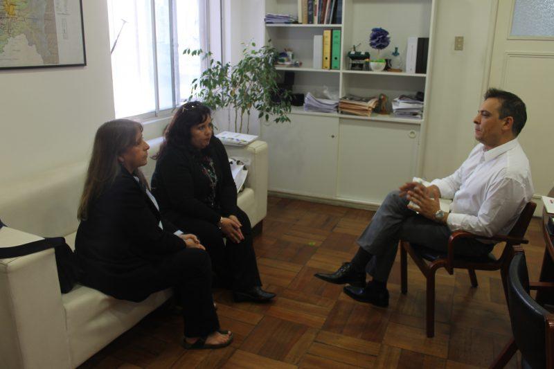 SENDA apuesta por la prevención en visita a El Salvador