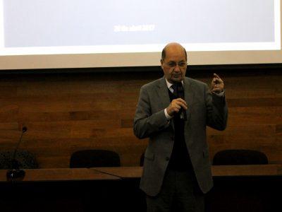 Director de SENDA dialoga con periodistas de servicios y municipalidades de la Región Metropolitana