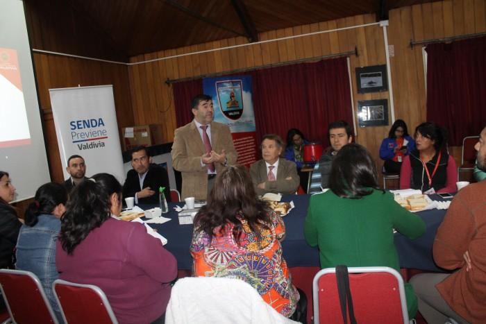 SENDA Previene Valdivia realizó 1ª Comisión Comunal de Alcohol y otras Drogas