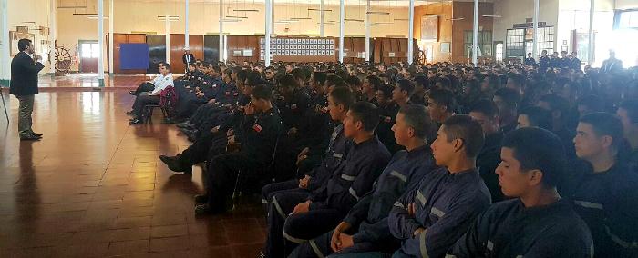 Escuela de Grumetes de Chile y SENDA, viento en popa con la prevención de drogas y alcohol