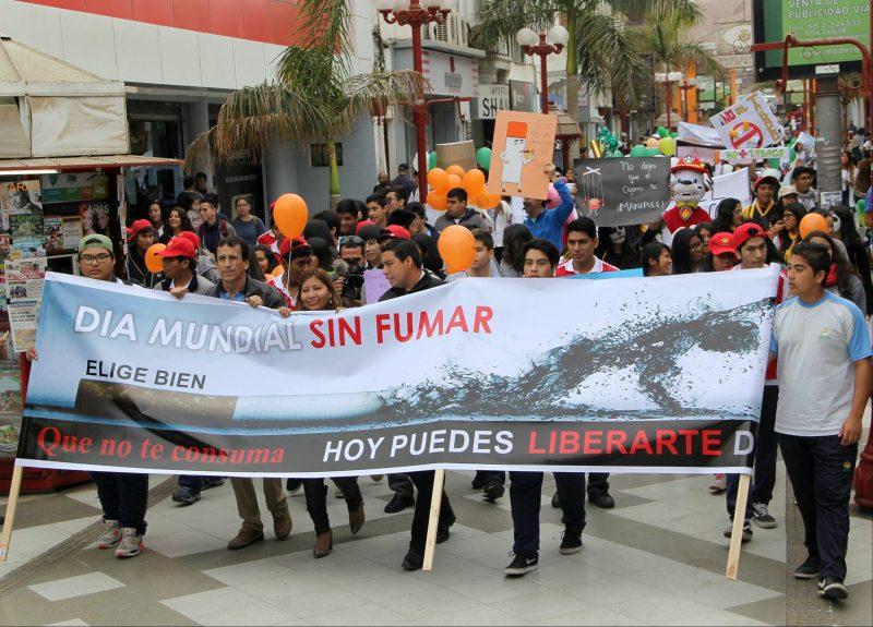 SENDA Arica y Parinacota presente en marcha en contra del tabaco
