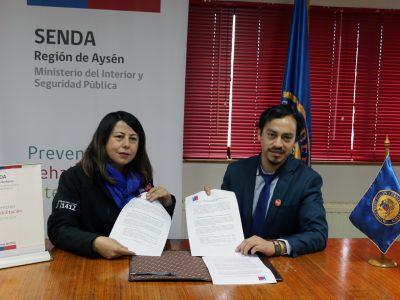 SENDA y Gobernación Provincial de Aysén firmaron convenio para fomentar habilidades parentales preventivas