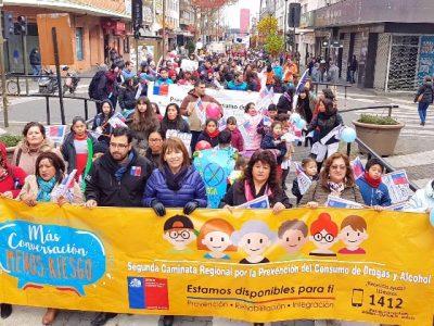 Más de dos mil personas se reunieron en la segunda caminata familiar por la prevención