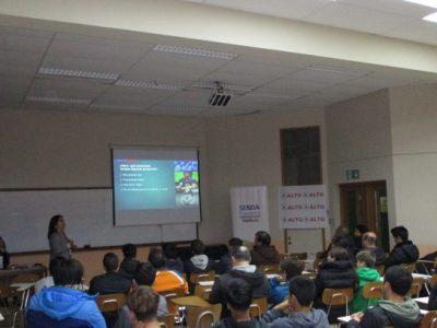 Comunidad del Club de Deportes Valdivia fue capacitada en Parentalidad Positiva