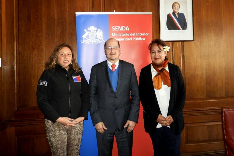 Director de SENDA sostuvo reunión de trabajo con gobernadora de Isla de Pascua