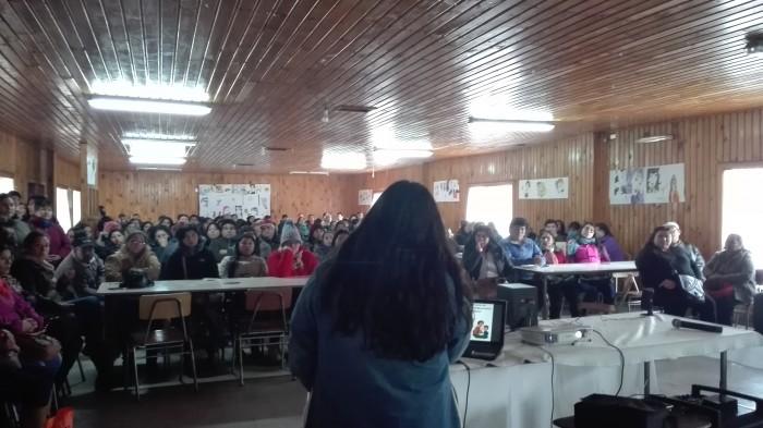 Programa Actuar A Tiempo de SENDA Previene Paillaco realizó charla de Parentalidad Positiva en Liceo Agrícola Radio 24 EL Llolly