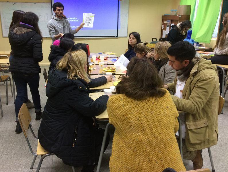 SENDA Previene Melipilla capacita a docentes del Colegio Los Jazmines de Melipilla