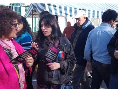Vecinos y vecinas de La Cisterna se informan sobre campaña Escuchar es parte de la solución